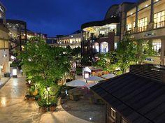 Paju Korea May 2016 . . #paju#premiumoutlet#shinsegae#korea#shopping#holiday#nightview#landscape#vscocam#instagood#iphone#zoomupkorea5#파주#신세계아울렛#프리미엄아울렛#쇼핑#휴일#야경#풍경#사진#아이폰  with SA. by photobydh