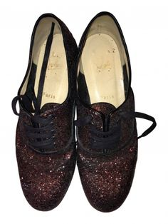 CHRISTIAN LOUBOUTIN Chaussures à lacets #Videdressing