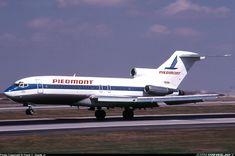 """Piedmont Airlines Boeing """"Mount Mitchell Pacemaker"""" touching down on at Denver-Stapleton International, September Ex-Northwest Orient famous for the D. Cooper hijacking in (Photo: Frank C. Boeing 727, Boeing Aircraft, Passenger Aircraft, Piedmont Airlines, Boeing Planes, Colorado Country, Northwest Airlines, Best Airlines, Air Lines"""