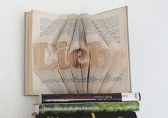 DIY-Anleitung gefaltetes Buch mit Schriftzug