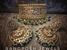 Fascinating Minimalist jewelry editorial,Jewlery 2020 and Beautiful jewelry expensive. Indian Jewelry Earrings, Indian Jewelry Sets, Bridal Jewelry Sets, Bridal Earrings, Bridal Jewellery, Jewellery Box, Gold Jewelry, Bridal Sets, Jewelry Stand