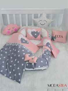 Modastra Pudra ve Gri Üzeri Beyaz Yıldız Desenli Babynest Set - Quilt Baby, Baby Bedroom, Baby Room Decor, Baby Sheets, Kit Bebe, Baby Sewing Projects, Baby Kit, Baby Cover, Baby Pillows
