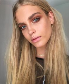 5 Fall 2015 Makeup Trends We Want to Wear Now Smoky eye makeup The post 5 Fall 2015 Makeup Trends We Want to Wear Now appeared first on Makeup Trends On World. Eye Makeup Cut Crease, Smoky Eye Makeup, Blue Eye Makeup, Eye Makeup Tips, Hair Makeup, Bronze Smokey Eye, Smokey Eyes, Brown Smoky Eye, Blue Smokey Eye