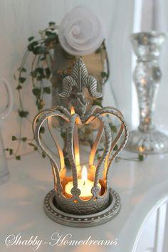 crown & tealight.             t