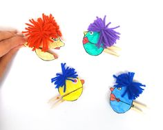 I love these adorable quirky paper puppets - with mouthes that open and close wi. Crafts For Kids To Make, Crafts To Sell, Fun Crafts, Art For Kids, Paper Crafts, Clothespin Crafts, Paper Puppets, Paper Toys, Craft Kits