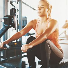Kick off the new year with this cardio kickboxing workout from celebrity trainer Jeanette Jenkins. Kettlebell Workout Video, Rowing Workout, Kickboxing Workout, Workout Videos, Workouts, 45 Minute Workout, Orange Theory Workout, Thigh Exercises, Burn Calories