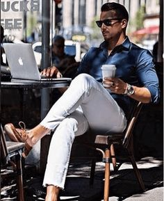 Boat Shoes Outfits for Men – 24 Ways to Wear Boat Shoes Looks Cool, Men Looks, Boat Shoes Outfit, Mens Boat Shoes, Stylish Men, Men Casual, Casual Ootd, Urban Fashion, Mens Fashion