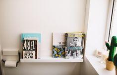 Our bathroom makeover! | Home interiors | Bathroom Inspiration | Bathroom reading | book shelf |