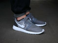 2018 Authentic Nike 636220 011 Roshe Run Hyperfuse Mens Light Cool Grey  Carbon Black 835f32d76