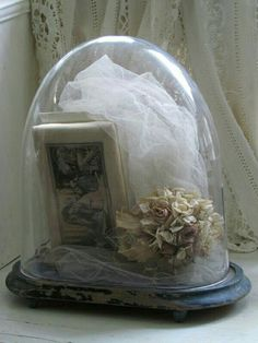 Her wedding veil & bouquet & photography