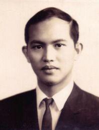 Peter S. Dee, Filipino-Chinese banker, 1960s #kasaysayan #geni Immediate Family, Filipino, Genealogy, 1960s, Chinese, Profile, User Profile, Sixties Fashion, Chinese Language