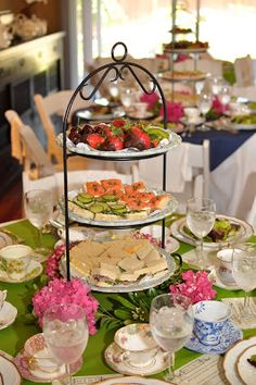 Trendy Ideas for elegant brunch buffet tea sandwiches Bridal Shower Appetizers, Tea Party Bridal Shower, Food For Bridal Shower, Coffee Bridal Shower, Tea Party Wedding, Tea Party Menu, Tea Party Table, Party Party, Food For Tea Party