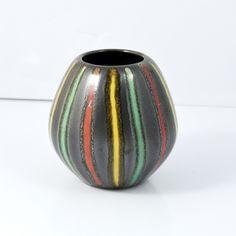 Mały wazon ceramiczny 3190B Scheurlich Keramik, lata 70. | Small ceramic vase 3190B Scheurlich Keramik, 70s. |  | buy on Patyna.pl | #forsale #vintage #vintagefinds #vintageshop #vintagelove #retro #old #design #home #midcenturymodern #want #amazing #home #inspiration #kitchen #decoration #furniture #ceramics #vase #Scheurlich #Keramik #Germany #German #black #color #70s #1970s #goodoldthings