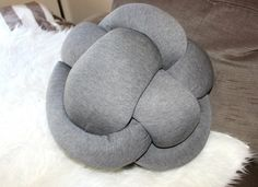 How to make a Knot Pillow – Shelley Nichol
