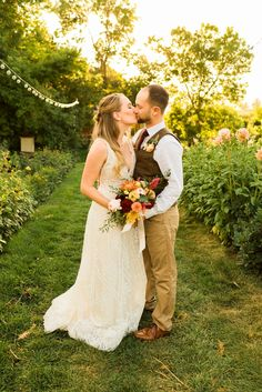 The flower garden at Lyons Farmette was the perfect spot for this couple to sneak away for golden hour wedding photos! The bride chose a colorful wedding bouquet with hints of orange, yellow, and pink in the bouquet. To see more from this outdoor wedding in Colorado check out the blog! Rain Photography, Colorado Wedding Venues, Denver Wedding Photographer, Relaxed Wedding, Golden Hour, Orange Yellow, Lyon, Fresh Flowers, Wedding Colors