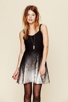 Great dress for new years eve. Would look great with a pair of bright colored pumps!!!