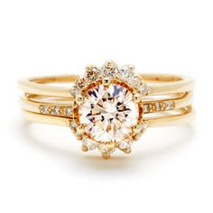 Love LoVe LOVE this ring !! <3  Hazeline by Anna Sheffield. I think I just fell in love. This is simply gorgeous. If only it were silver!