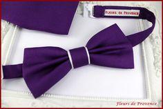Noeud Papillon et pochette costume violet foncé et blanc