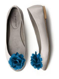 Crinkle Chiffon Flower Shoe Clip http://www.dessy.com/accessories/crinkle-chiffon-flower-shoe-clip/#.Ug1N-mQ6W9Y