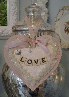 Pretty love heart. Feb 15 8 <3