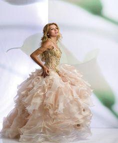 ball gown wedding dress- wow that is alot of work/fabric Princess Wedding Dresses, Elegant Wedding Dress, White Wedding Dresses, Wedding Gowns, Romantic Dresses, Ball Gown Dresses, Prom Party Dresses, Bridal Dresses, Xv Dresses