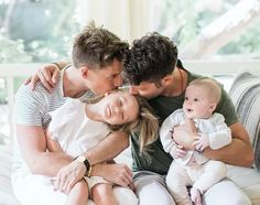 7 Pictures of Nate Berkus Son Baby Oskar Brent Berkus - Nate Berkus Son Tumblr Gay, Nate And Jeremiah, Pregnant Man, Couple With Baby, Gay Aesthetic, Lgbt Love, Dad Baby, Nate Berkus, Cute Gay Couples