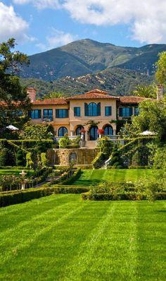 Villa Landscape Design Luxury Homes Ideas Mediterranean Homes, Big Houses, Fancy Houses, House Goals, Luxury Living, My Dream Home, Exterior Design, Future House, Beautiful Homes
