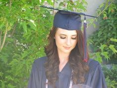 8 Hair styles to go with graduation cap