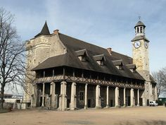 Montlucon, Le château des ducs de Bourbon, dating from the 13th and 14th centuries