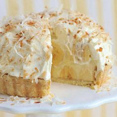 Banana Coconut Cream Pie Ingredients: For the coconut pastry cream: cup canned coconut cream cup milk 2 egg yolks Banana Recipes, Pie Recipes, Dessert Recipes, Cooking Recipes, Cooking Games, Fruit Recipes, Vegetarian Recipes, Recipies, Just Desserts
