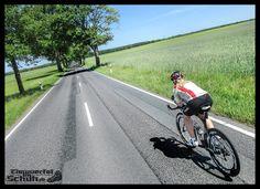 Am Sonntag ist es wieder soweit: zahlreiche Straßen in und um Berlin gehören den Radsportlern. Ich freue mich schon auf den Velothon Berlin und war in den vergangenen Tagen bereits teilweise auf der Strecke unterwegs. { via @eiswuerfelimsch } {  #Traum #WasJuliMädchenEbenSoLieben! #Radausfahrt #Training #triathlonlife #LoveIt #berlinrunnersontour #berlintriathletesontour #trainingday #triathlontraining #tri #berlinrunners #berlintriathletes #youcan #fr920xt #garmin #SwimBikeRun #radsport…