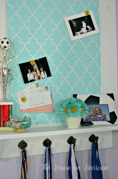 so cute cork/Shelf, luv the stencil and the color!