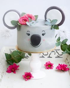 Dog cupcake 🐶🐕🐩 by These dog-shaped cupcakes are so realistic. Cupcakes, Cupcake Cakes, Birthday Cake Girls, Birthday Parties, Fondant, Butterfly Garden Party, Animal Cakes, Cake Decorating Techniques, Fancy Cakes