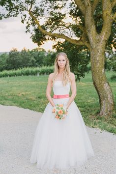 Lässige Gartenhochzeit in Pastell von Thomas Steibl Photography   Hochzeitsblog - The Little Wedding Corner