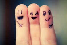 """this is @Hailey Williamson @Katie Baum and me :D I""""m the one in the middle :D"""