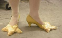 Somethin Odd: 30 World Most Bizarre Shoes Ever l Strange and Weird Shoes Wierd Shoes, Funny Shoes, Crazy Shoes, Me Too Shoes, Shoe Art, Unique Shoes, Being Ugly, Designer Shoes, Shoe Boots