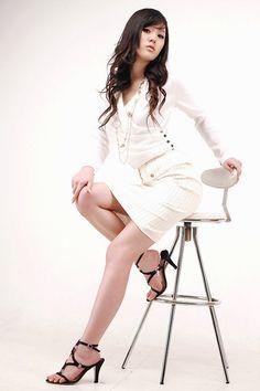 Sexy South Korean top model Hwang Mi Hee wallpapers 320x480 (48)