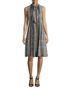 OSCAR DE LA RENTA PRINTED SLEEVELESS DRESS WITH SCARF, BLACK. #oscardelarenta #cloth #