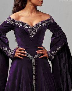 ALL HAIL THE QUEEN! Guinivere Pendragon's dress