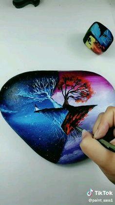 Stone Art Painting, Art Painting Gallery, Rock Painting Patterns, Rock Painting Designs, Painted Rock Animals, Painted Rocks, Art Drawings Sketches Simple, Diy Canvas Art, Pebble Art