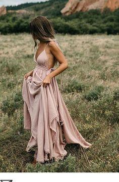 Bohemian fashion inspiration, boho chic outfits for summer holidays Pretty Dresses, Sexy Dresses, Beautiful Dresses, Awesome Dresses, Boho Prom Dresses, Formal Boho Dress, Flowy Dresses, Wedding Dresses, Boho Dresses Cheap