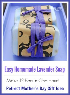 Easy Homemade Lavender Soap – Made with Essential Oils Easy Homemade Lavender Soap – Make 12 Bars in One Hour! This makes a wonderful gift! This is the perfect melt and pour recipe to start with when you first start creating your own soap bars! Homemade Beauty, Diy Beauty, Melt And Pour, Soap Labels, Labels Free, Soap Packaging, Savon Soap, Homemade Soap Recipes, Homemade Bar