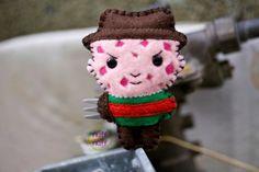 Felt Freddy Krueger Pocket Plush Toy by nuffnufftoys on Etsy Halloween Ornaments, Felt Ornaments, Halloween Crafts, Christmas Crafts, Halloween Felt, Halloween Christmas, Christmas Ideas, Freddy Krueger, Chewbacca