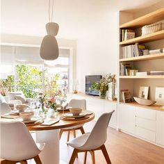 Take advantage of your bed to save - Porque amo la Deco del hogar, es un arte - Dining room integrated in the living room with round table in white and wood - Home Living Room, Living Room Designs, Living Room Decor, Living Spaces, Dining Room, Small Room Decor, Small Rooms, Home Interior, Interior Design