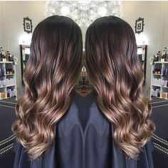 Caramel mocha. Color by @hairby_amandaenger  #hair #hairenvy #haircolor #brunette #balayage #highlights #newandnow #inspiration #maneinterest