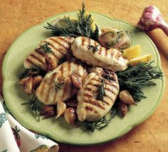 Grilled Chicken Breast with Melted Cheese and Red Pepper Filling Sauce Recipes, Wine Recipes, Chicken Recipes, Cooking Recipes, Cooking Tips, Grilled Stuffed Chicken, Cheese Stuffed Chicken, Side Dishes For Bbq, Side Dish Recipes