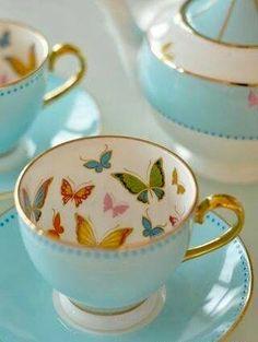 Xícara com estampa de borboletas, butterfly, cup