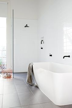 Top 10 black and white bathrooms. Styling by Heather Nette King. Photography by Derek Swalwell.
