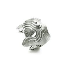 Ring – 18 karat white gold 32,000 dkk = $5,065
