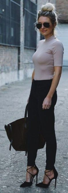 Breathtaking 32 Casual Summer Work Outfits to Wear to Office http://inspinre.com/2018/03/08/32-casual-summer-work-outfits-wear-office/